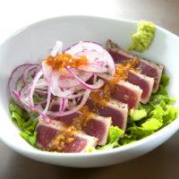 炙りマグロのサラダ丼