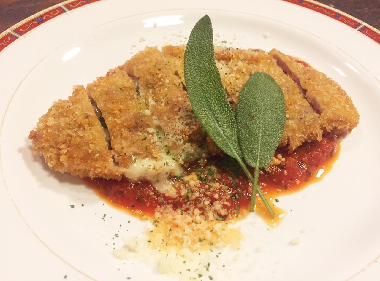 チーズIN豚カツレツ トマトソース