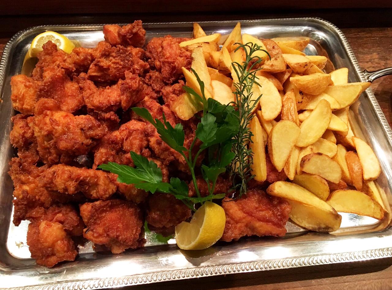 鶏の唐揚げ、ポテトフライ